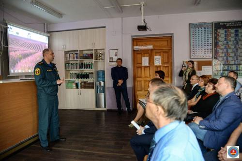 Показательное занятие по развертыванию пункта временного размещения проведено в Челябинске